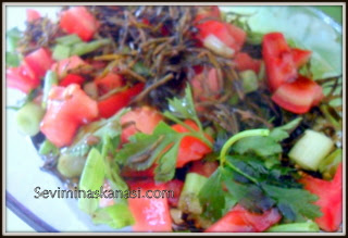 zahter salatası nasıl yapılır ?